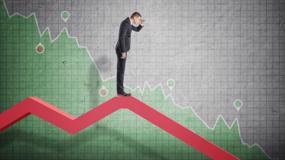 """Cổ phiếu bất động sản """"nằm sàn"""" la liệt trong phiên, VN-Index mất gần 61 điểm"""