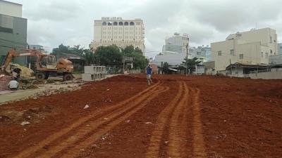 Gia Lai: Phân lô bán nền, lấp luôn đường dân sinh