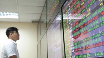 Cổ phiếu BĐS lớn giúp VN-Index tăng điểm trong phiên 24/6