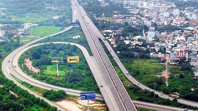 Phát hành trái phiếu DN để xây cao tốc: Đúng và chặt