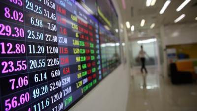 Cổ phiếu bất động sản đồng loạt tăng trần trong phiên VN-Index điều chỉnh