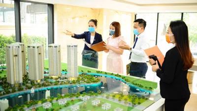 """Thị trường bất động sản không """"bất động"""" giữa đại dịch COVID-19"""
