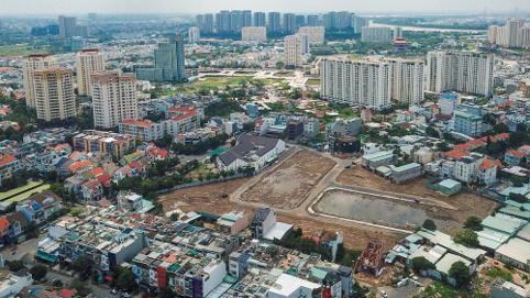 Dịch bùng phát đầu năm, ngỡ ngàng giá căn hộ tại Hà Nội và TP.HCM vẫn tăng