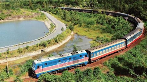 Nối đường sắt với cảng biển: Không thể ồ ạt