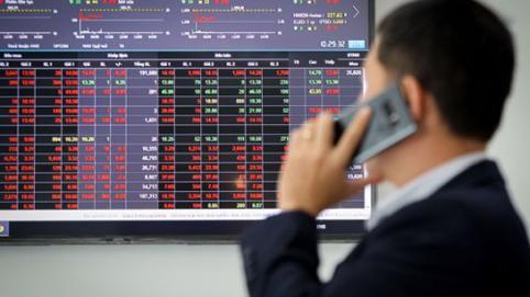 VN-Index liên tục lỗi nghẽn lệnh, nhiều cổ phiếu BĐS giảm sâu
