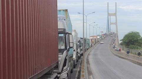 Gần 27.500 tỷ đồng để kết nối cảng biển: TP.HCM cần tính kỹ