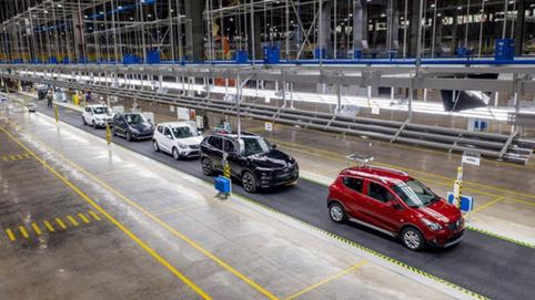 Sau nửa năm sản xuất ô tô, VinFast công bố số liệu khủng
