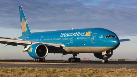 Vietnam Airlines thua lỗ cực lớn, Chủ tịch Đoàn Văn Bình và Bầu Đức cùng 'nhức đầu' với nợ vay?