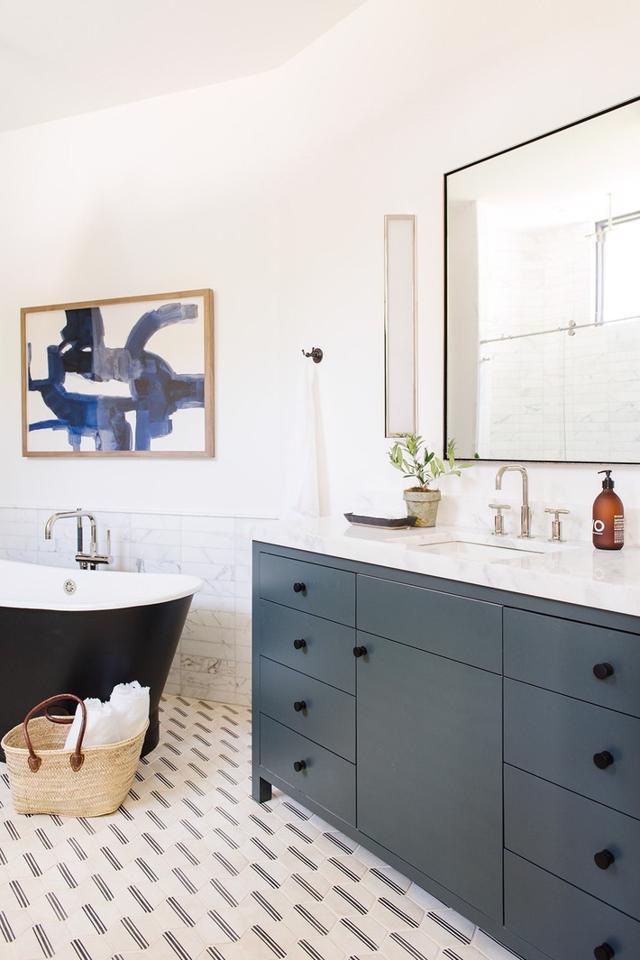 Tạo nguồn cảm hứng mới cho phòng tắm với thiết kế màu xanh - Ảnh 1