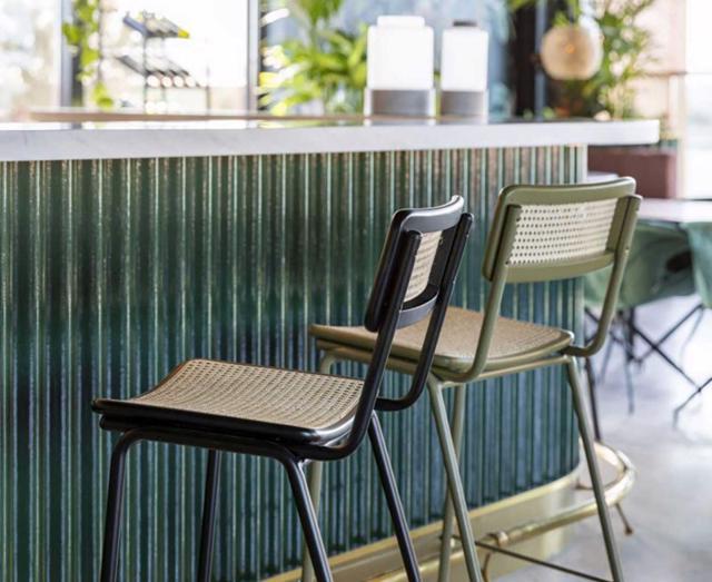 Các mẫu thiết kế ghế quầy bar tinh tế cho ngôi nhà của bạn - Ảnh 13