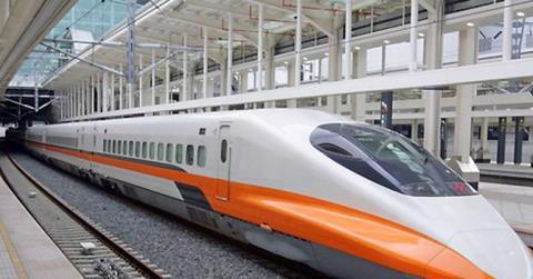 Tuyến đường sắt tốc độ cao Bắc - Nam dự kiến hơn 1.500km, tuyến đường sắt mới sẽ chạy qua 20 tỉnh thành. Ảnh minh họa