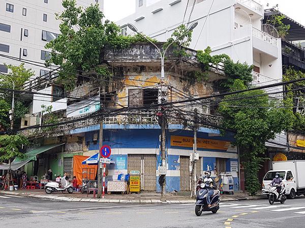 Khu tập thể số 37 Yên Bái (80 Hùng Vương, Đà Nẵng) đã xuống cấp quá nghiêm trọng.