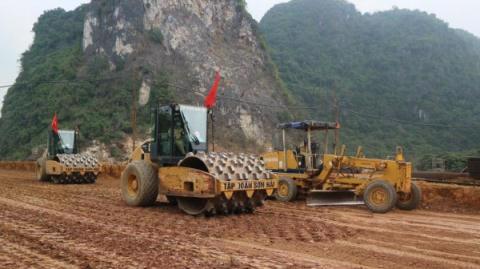 Làm cao tốc Bắc Nam: Ưu tiên xử lý nền đất yếu - Ảnh 2
