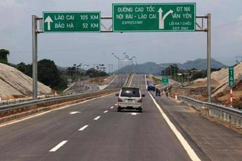 Hà Giang xin sân bay, làm đường: Đừng để mắc nợ - Ảnh 1