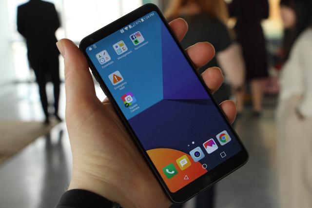 Người dùng đã bắt đầu tưởng nhớ điện thoại LG.