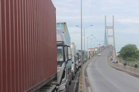 Gần 27.500 tỷ đồng để kết nối cảng biển: TP.HCM cần tính kỹ - Ảnh 1
