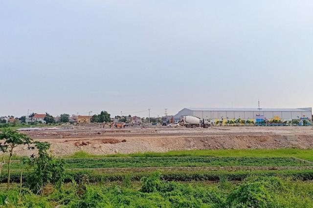 """""""Sốt đất"""" khắp nơi, chính quyền Quảng Ninh chỉ đạo cảnh báo - Ảnh 1"""