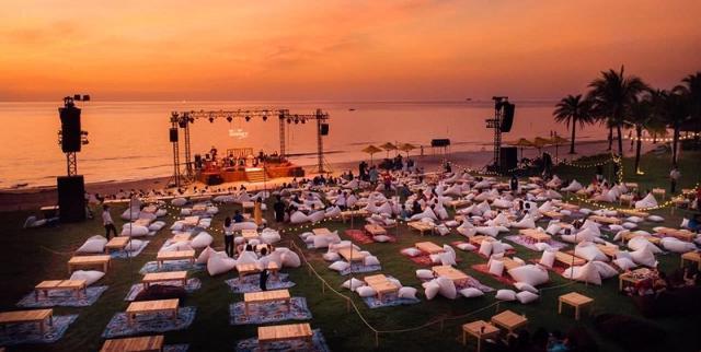 """Đại tiệc âm nhạc hoàng hôn trên biển đầu tiên tại Việt Nam """"Wow Ocean Show"""" Phú Quốc được đưa về Vinhomes Ocean Park"""