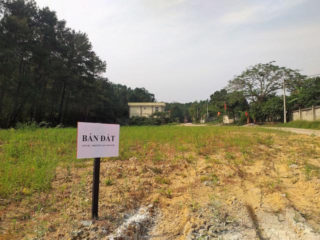 """Khu đất ở gần đồi Thiên An, thuộc xã Thủy Bằng, thị xã Hương Thủy được cho là Khải Tín Group vẽ dự án """"ma"""" quảng cáo bán hàng sai sự thật (Ảnh: Đình Huân)"""