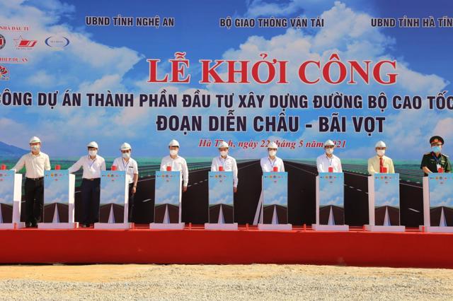 Khởi công xây cao tốc Diễn Châu - Bãi Vọt hơn 11.000 tỷ đồng - Ảnh 1
