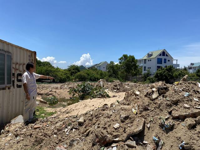 Ông Nguyễn Mạnh Tuân cho biết, một mình ông phải bỏ rất nhiều thời gian, công sức, tiền bạc để đấu tranh giải quyết, bảo vệ và hoàn thiện các thủ tục hợp pháp cho phần đất này