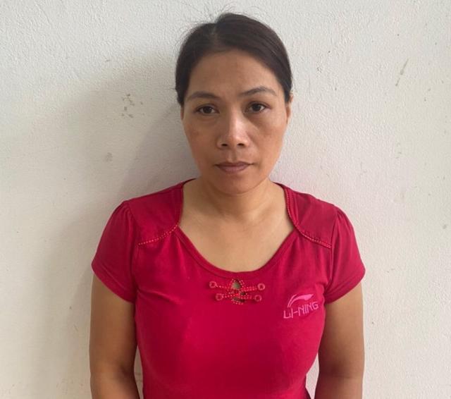 Bị can Phạm Thị Thu Phương quê ở Quảng Trị sau khi bị bắt để điều tra (Ảnh Cổng TTĐT Công an tỉnh Quảng Bình)