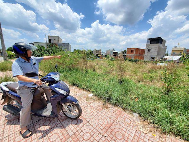 Người dân bức xúc vì chủ đầu tư dự án Khu nhà ở Đất mới nợ sổ đỏ 10 năm.