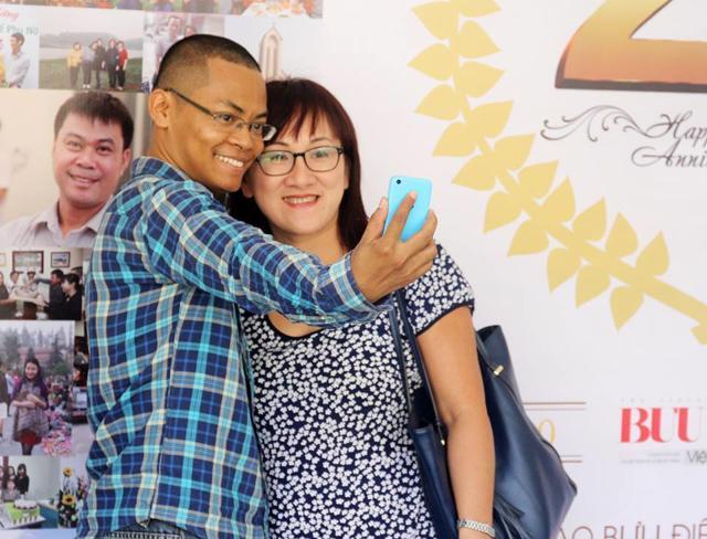 Chuyên gia truyền thông Nguyễn Ngọc Long (bên trái) đã đánh giá bà Nguyễn Phương Hằng là cao thủ truyền thông.