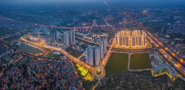 Vinhomes Smart City gây ấn tượng kép bởi vị trí đắc địa, kết nối hoàn hảo (giao điểm của 3 tuyến metro trọng yếu) và mô hình đại đô thị chuẩn quốc tế giữa trung tâm mới của Thủ đô.