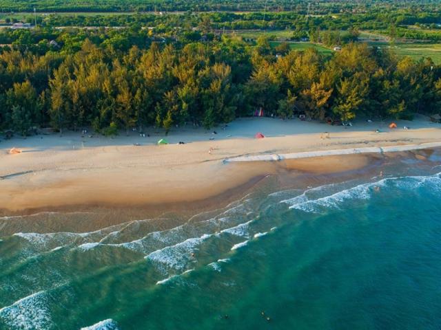 Chuyên gia dự báo khu vực đất nền mặt tiền ven biển Lộc An, huyện Đất Đỏ - nơi có bãi biển hoang sơ, trong xanh sẽ là điểm nóng về bất động sản nghỉ dưỡng trong thời gian tới
