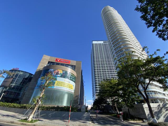 Sở hữu căn hộ ở trung tâm với môi trường sống hiện đại, tiện nghi được xem là biểu tượng của lối sống độc lập, năng động.