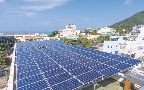 Công suất điện mặt trời tăng gấp nhiều lần so với quy hoạch.