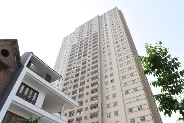 Cư dân chung cư Intracom 1 Trung Văn tố cáo chủ đầu tư cố ý xây dựng sai phép, tự ý thay đổi công năng một số tầng, chia thành căn hộ để bán