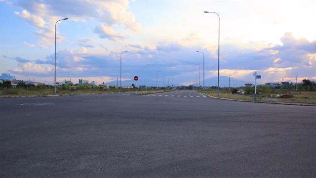 Các tuyến đường tại Không gian sáng tạo phường Hòa Xuân, quận Cẩm Lệ đã được hoàn thiện cơ sở hạ tầng. (Ảnh: Bội Nhiên)