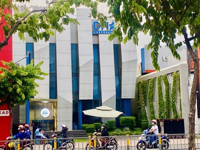 Chủ đầu tư đã cho khách hàng tham quan nhà mẫu của dự án D-Homme tại địa chỉ 46 đường Kinh Dương Vương, phường 13, quận 6