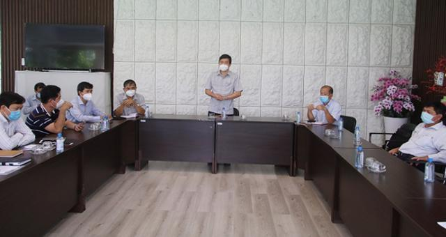 Lãnh đạo UBND tỉnh Đồng Tháp họp khẩn với các doanh nghiệp trong KCN Sa Đéc.