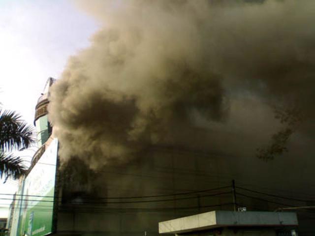 Vụ cháy lớn từng xảy ra tại Thuận Kiều Plaza vào năm 2009.