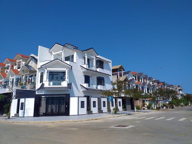"""Giá đất tại phường Phú Thượng sau khi sáp nhập vào TP. Huế vẫn áp dụng giữ nguyên trong giai đoạn 2020 - 2024 nên không gây """"xáo trộn"""" đến các dự án bất động sản (Ảnh: Đình Toàn)"""