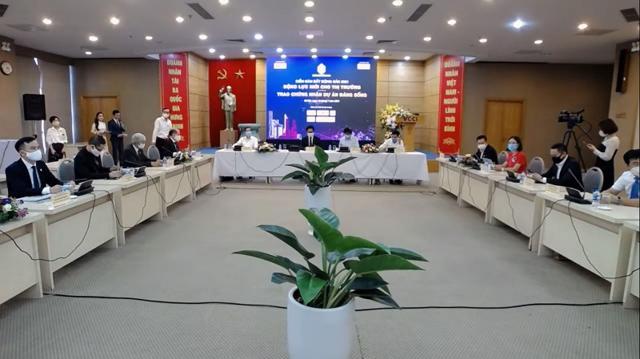 Quang cảnh diễn đàn được tổ chức vào ngày 16/7 tại Hà Nội.