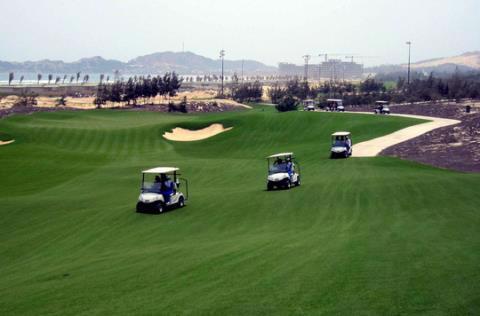 Sân golf nơi Giám đốc Sở Du lịch Bình Định Nguyễn Văn Dũng, Cục phó Cục thuế tỉnh Bình Định Nguyễn Công Thành và 2 người của doanh nghiệp chơi. Ảnh: NLĐ