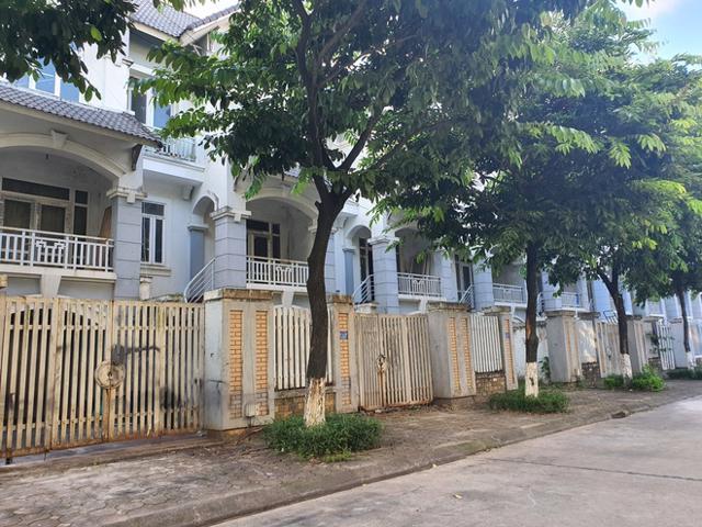 Chuyên gia dự báo trong nửa cuối năm 2021, giá bán nhà đất tại Hà Nội sẽ tiếp tục tăng trưởng chậm lại nhờ cơ quan quản lý siết chặt tại các vùng sốt đất. (Ảnh: Báo Dân trí)