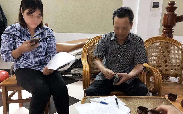 Gia đình chị Chanh ngày đặt cọc mua nhà tại Hà Nội với mục đích có chỗ ở cho con đi học đại học.