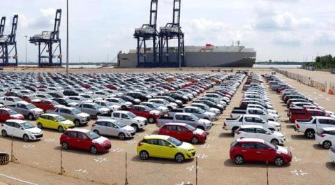 Người Việt chi hàng tỷ USD để nhập khẩu ô tô. Ảnh minh họa