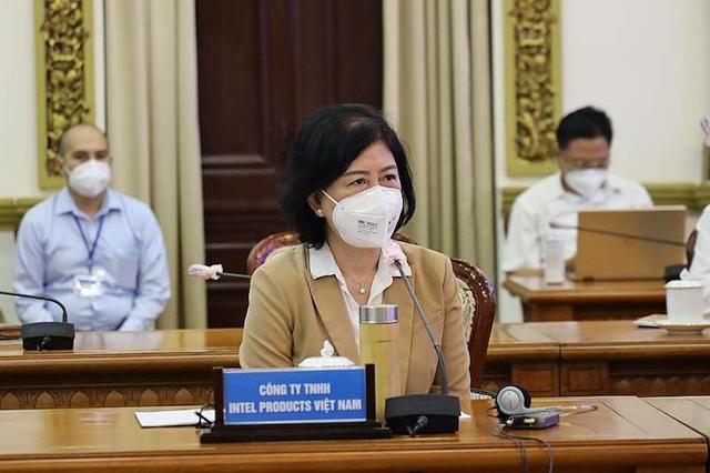 Bà Hồ Thị Thu Uyên, Giám đốc Đối ngoại Intel Việt Nam cho biết chi phí phát sinh từ việc đảm bảo phòng chống dịch trong giai đoạn 15/7-15/8 khoảng 140 tỷ đồng. (Ảnh: TTBC)