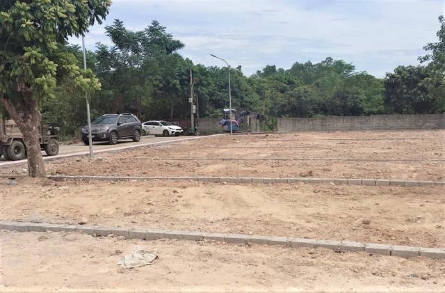 Nữ môi giới tên Thúy cho biết,dự án Khu dân cư Khoang Mái (tạixã Đồng Trúc, huyện Thạch Thất, Hà Nội) doCông ty Green Land là chủ đầu tư.