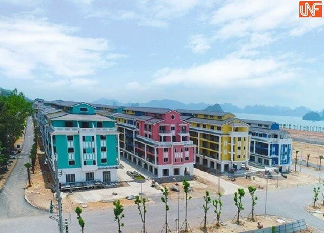 Các dãy shophousetại dự án Sonasea Vân Đồn Harbor city của CEO Group.