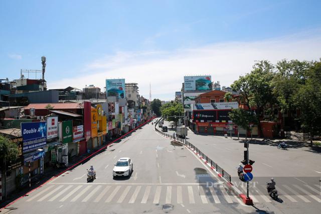 Giá nhà đất phố Chùa Bộc (Đống Đa, Hà Nội) tăng cao ngất ngưởng sau khi có thông tin mở rộng đường. (Ảnh Phạm Hưng/Dân Việt)
