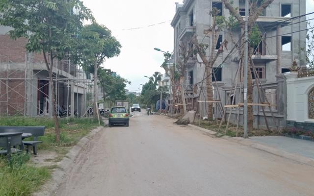 Trước đó, Thái Nguyên cũng thu hồi hàng nghìn mét vuông đất, hàng chục tỷ đồng do sai phạm liên quan đến quản lý, sử dụng đất đai.