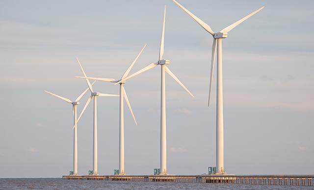 Hà Tĩnh: Một doanh nghiệp muốn đầu tư 13.893 tỷ đồng xây dựng các dự án điện gió - Ảnh 1