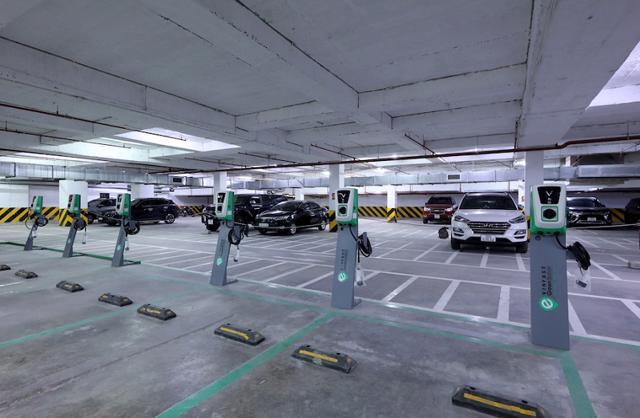 Hệ thống các trụ sạc ô tô được lắp đặt tại Tecco Garden – Thanh Trì, Hà Nội